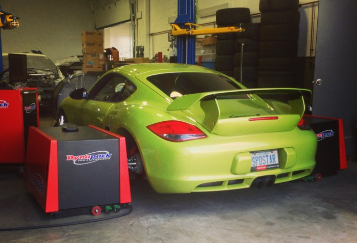 Speedstar testing some parts on the shop Cayman R